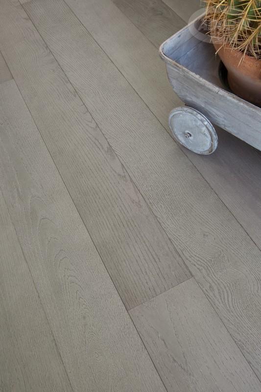 Pavimenti grigi ha una superficie liscia con effetto for Pavimenti grigi