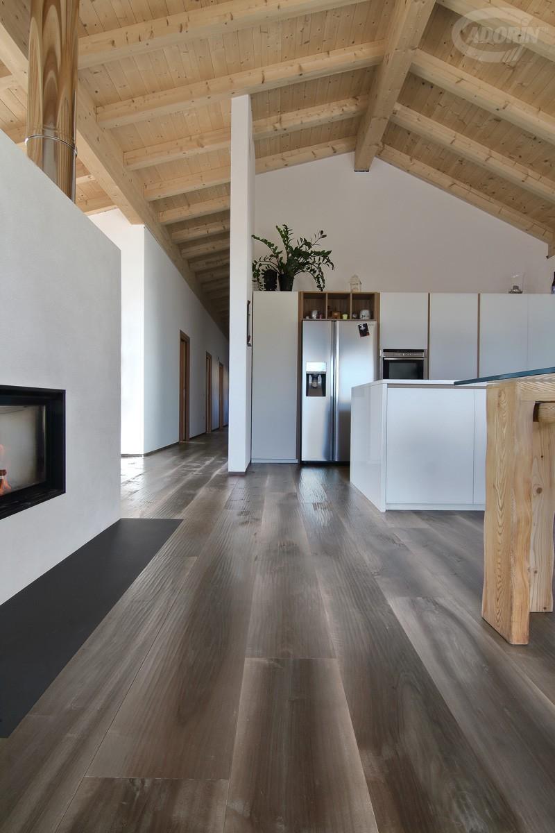Pavimento in legno di vecchia noce nazionale cadorin for Cadorin parquet