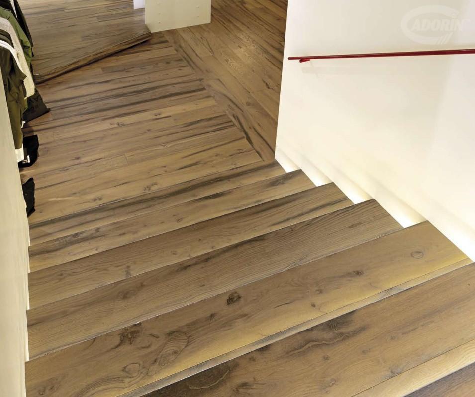 Rivestimenti in legno per scale e gradini by cadorin parquet cadorin - Rivestimento in legno per scale ...