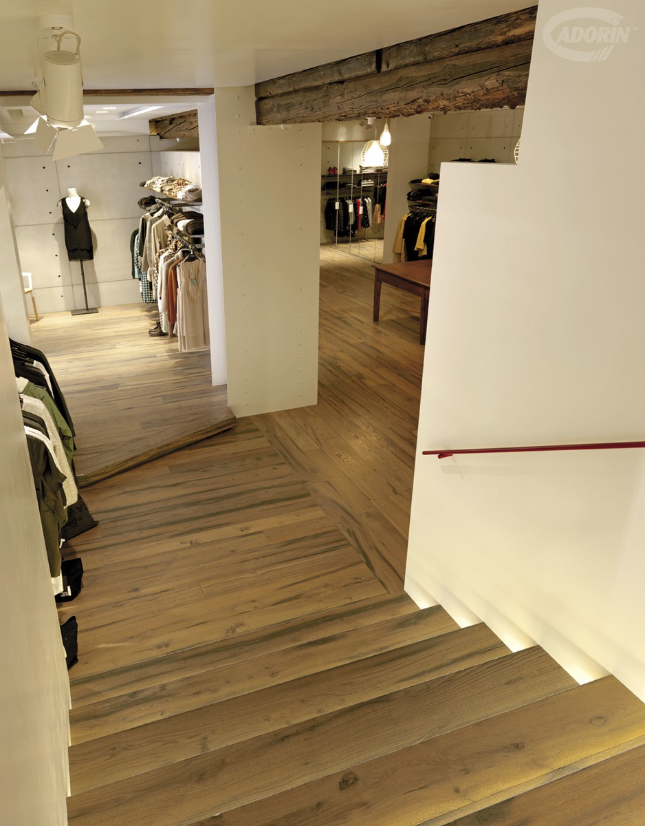 Pavimento in legno di rovere antico cadorin for Parquet spazzolato