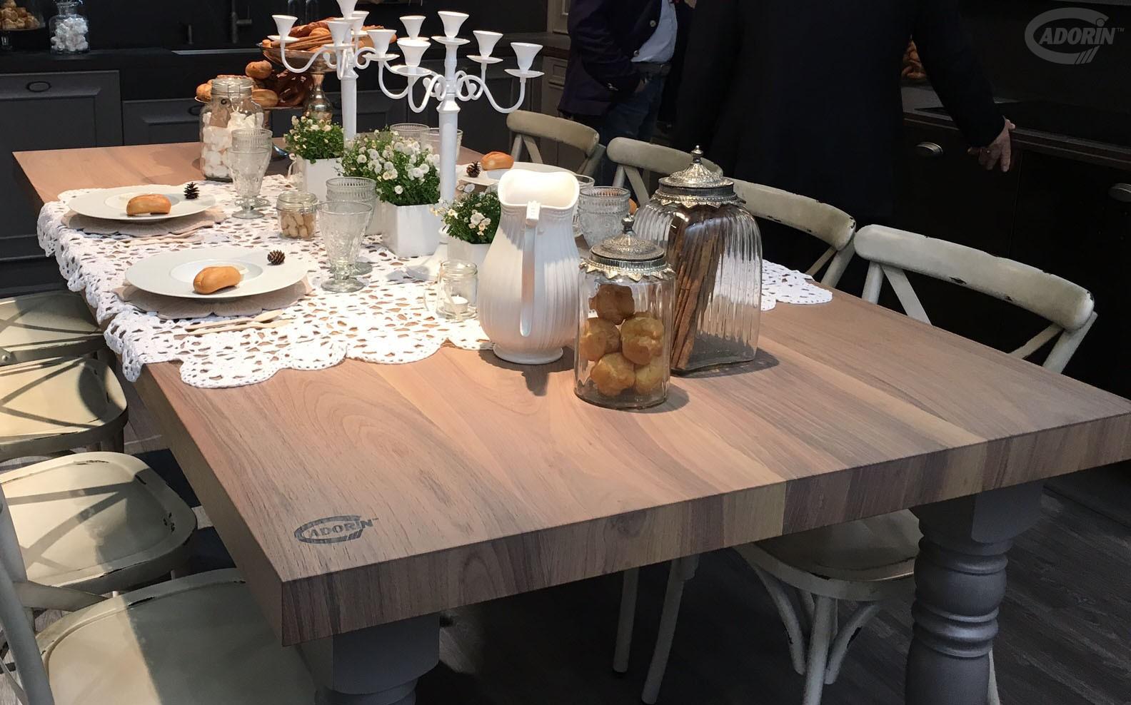 Tavoli e tavolini in legno di rovere massiccio cadorin